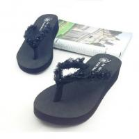 China latest ladies flip flops slippers shoes and sandals for women on sale