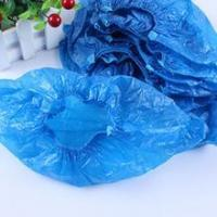Quality Qualified disposable plastic shoe cover/pe overshoes for daily use wholesale
