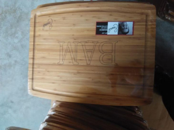 China OEM Bamboo and Wood Chopping Board and Cutting Board