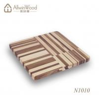 High Quality Food Safe Square Walnut Wood Chopping Board With Handle Hole