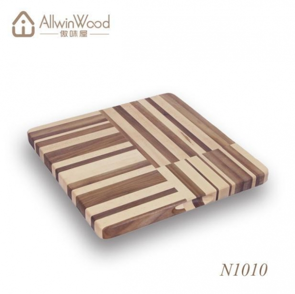 Cheap High Quality Food Safe Square Walnut Wood Chopping Board With Handle Hole for sale