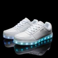 Quality 2016 wholesales&dropshipping LED shoes light up flashing hot top glow sneakers for men wholesale