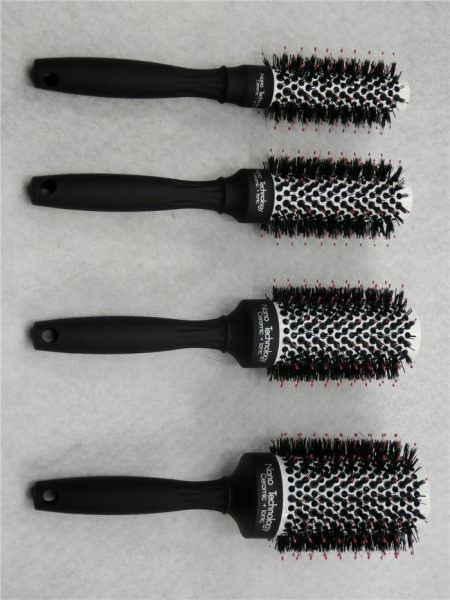 China Best Solid Color Ceramic Round Brush Straightening Hair Style