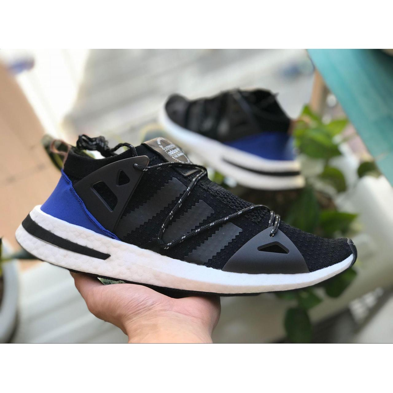 China hot sell adidas Sneakers ,running shoes For kids and Adult ( men and women) on sale